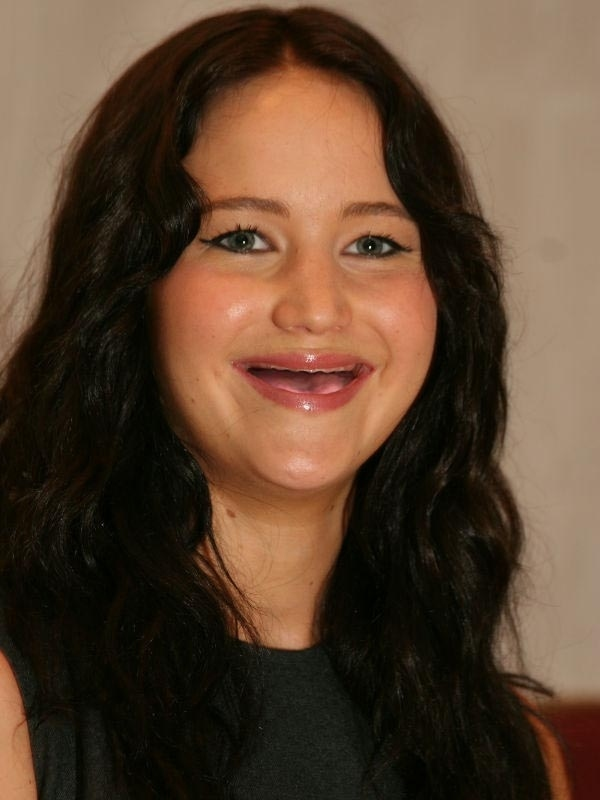 jennifer-lawrence-without-teeth