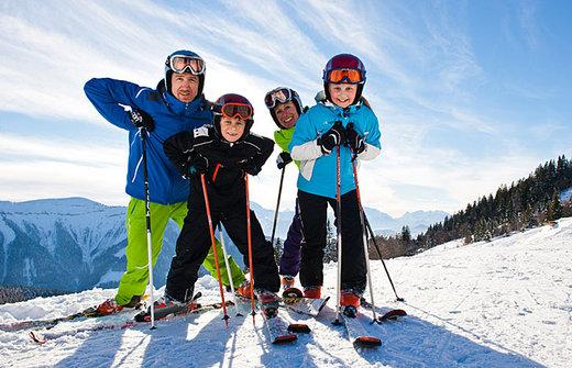 austria-ski-family-psd
