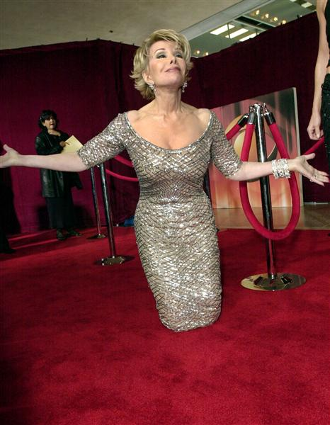 joan-rivers-legless-red-carpet