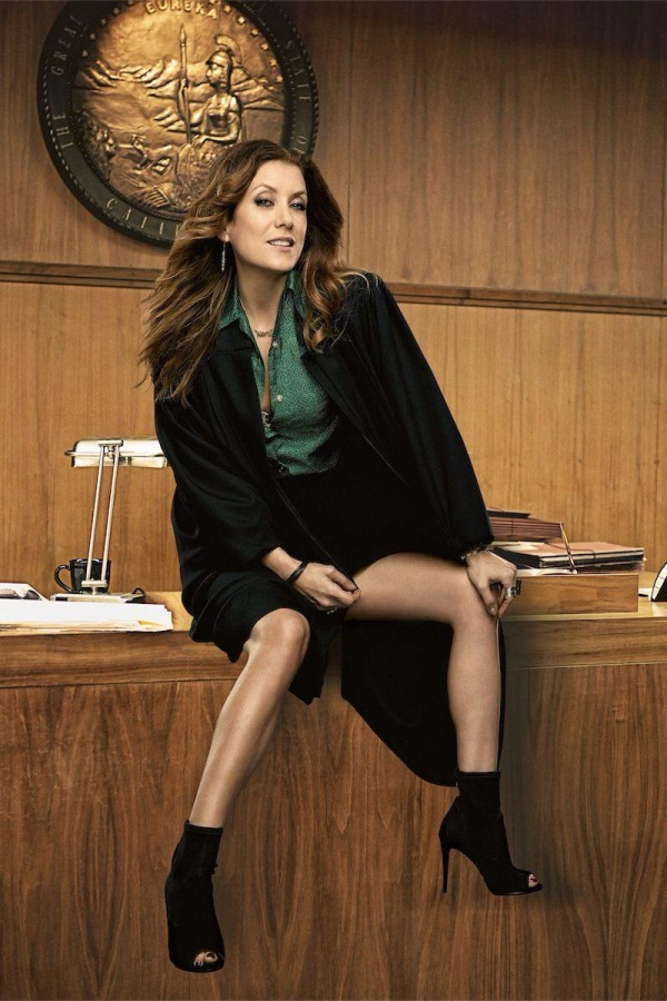 Kate-Walsh-legs-photoshop